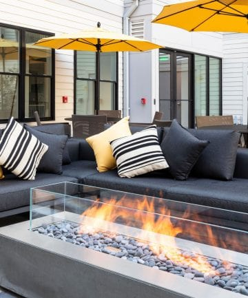 Alta Union House outdoor lounge near Worcester